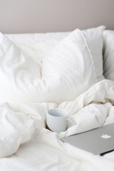 There& nothing as relaxing as snuggling down into a comfy, cozy bed Easy Like Sunday Morning, Morning Bed, Morning Light, Early Morning, Decoration Inspiration, Breakfast In Bed, White Aesthetic, Aesthetic Colors, Cozy Bed