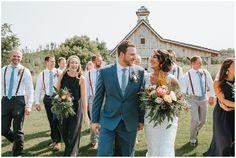 Bridal Party. Bride and Groom. Chaska Wedding Venue. Minnesota Wedding Venue.Outdoor wedding venues in Minnesota.Rustic wedding venues in MN.  #mnweddingvenue #mnwedding Photographer: Rachel Lynn Photo   Venue: The Outpost Center