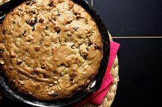 Banana, Walnut & Chocolate Cookie Cake http://www.recipes-fitness.com/banana-walnut-chocolate-cookie-cake/