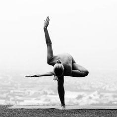 True yoga is not about the shape of your body, but the shape of your life. Yoga is not to be performed yoga is to be lived. Yoga Pictures, Yoga Photos, Yoga Inspiration, Pranayama, Namaste, Beautiful Yoga Poses, Yoga Training, Pilates, Sup Yoga