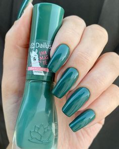 Green Nails April 09 2020 at Stylish Nails, Trendy Nails, Cute Nails, Nail Paint Shades, Color Club Nail Polish, Basic Nails, Simple Nails, Luxury Nails, Green Nails