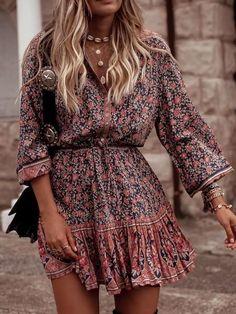 Bohemian Style Floral Printed Midi Dresses - Casual Dresses - Ideas of Casual Dresses - Bohemian Style Floral Printed Midi Dresses Moda Boho, Look Hippie Chic, Bohemian Style, Bohemian Lifestyle, Bohemian Fashion, Boho Fashion Summer, Indie Style, Bohemian Print, Gypsy Style