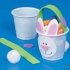 Easter party prep just got a whole lot easier with these cute DIY bunny cups. Cup Crafts, Bunny Crafts, Diy And Crafts, Paper Crafts, Easter Projects, Easter Crafts For Kids, School Projects, Spring Crafts, Holiday Crafts