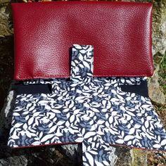 Compagnon Complice en simili rouge et coton noir et blanc cousu par Aline - Patron Sacôtin
