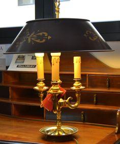 Lámpara sobremesa  md.15-240 Medidas:  0,55 alto. . Consultar precio con descuento especial. Unidades disponibles 1