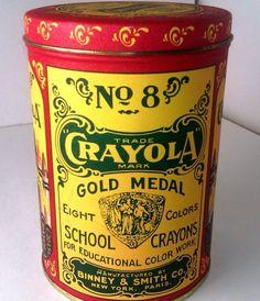 1982 CRAYOLA REPLICA OF 1903 No 8 GOLD MEDAL DESIGN TIN