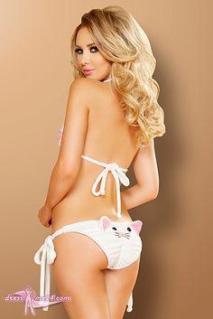 Besuche uns gern auch auf dressme24.com ;-) Kitty Cat Bikini - JValentine USA - Kuschelig weicher Stretch Plüsch Bikini mit süßem Katzengesicht auf der Rückseite. Das Triangle Top ist vorn mit Katzenpfoten verziert. Beide Teile lassen sich individuell binden und sind optimal für Bühne und auch Strand! #Gogooutfits, #Gogokleidung, #Dancewear