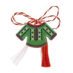 "Broșă mărțișor tip pin "" Ie verde cu motive tradiționale albe"" Christmas Ornaments, Holiday Decor, Green, Fimo, Christmas Jewelry, Christmas Decorations, Christmas Decor"