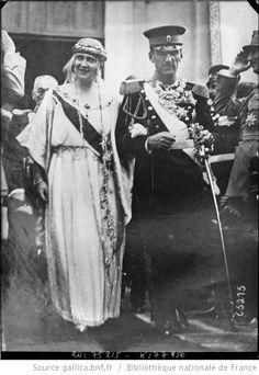 8-6-22, [Belgrade,] mariage du roi de Serbie, les mariés quittent la cathédrale : [photographie de presse] / [Agence Rol] - 1