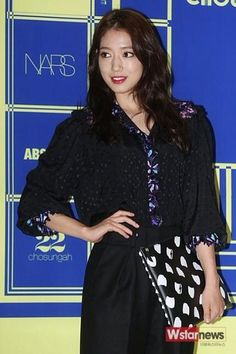 nice Park Shin Hye is fashionable lady at LUCKY CHOUETTE 2015 S/S Fashion Show