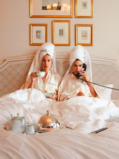 Breakfast in bed photography hotel Best Ideas Shooting Photo Amis, Photography Poses, Fashion Photography, Couple Photography, Wedding Photography, Shotting Photo, Photographie Portrait Inspiration, Photo Grouping, Best Friend Goals