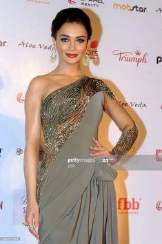 News Photo : Indian Bollywood actress Amy Jackson poses as she... Hot Actresses, Hollywood Actresses, Beautiful Actresses, Indian Actresses, Amy Jakson, Actress Amy Jackson, Indian Bollywood Actress, Celebs, Poses
