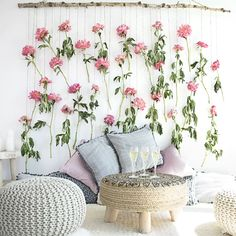 34 Nice Bedroom Wall Decor Ideas To Beautify Your Bedroom - Bedroom wall decoration is an artistic concept for which you must understand the concepts of diffuse coloring, secularity, glossiness and the effects . Flower Wall Backdrop, Diy Backdrop, Wall Backdrops, Flower Wall Decor, Backdrop Wedding, Floral Backdrop, Diy Wand, Diy Wall Decor For Bedroom, Bedroom Wall
