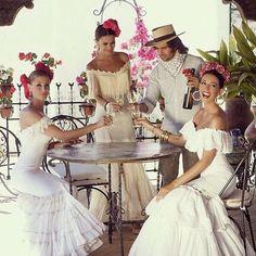Spanish style – Mediterranean Home Decor Mexican Fashion, Spanish Fashion, Spanish Gypsy, Spanish Style, Spanish Dress, Flamenco Wedding, Flamenco Costume, Spanish Wedding, Pretty Ballerinas