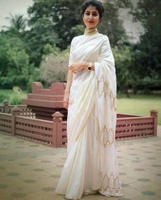 #NusratZahan #nusratzahan Kerala Saree Blouse Designs, Pakistani Dress Design, Trendy Sarees, Stylish Sarees, Saree Draping Styles, Saree Styles, Saree Floral, Modern Saree, Indian Silk Sarees