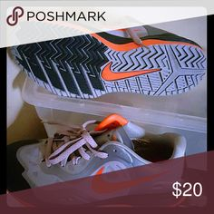 Nike ??Good Condition CLEAN SOLE AIR MAX 2'S Nike Shoes Athletic Shoes