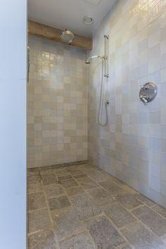 Manor Farm, Bath Tiles, Stone Flooring, Beautiful Bathrooms, Irene, Natural Stones, Tile Floor, Sweet Home, Bathtub