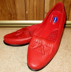 New Woman's Dr Scholl's Red Slip On Leather Red Tasseled Loafers Size 11 Medium