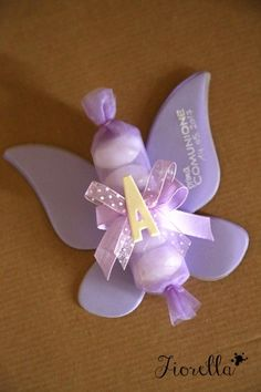 Farfalle per una Comunione Baptism Favors, Wedding Favours, Baby Shower Favors, Diy Wedding, Fiesta Decorations, Music Crafts, Edible Crafts, Butterfly Baby, Baby Shower Decorations For Boys