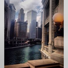 Chicago River scene, uncredited