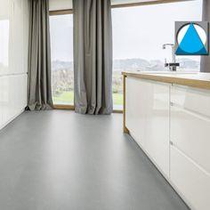 PVC-vloeren die zo echt lijken dat je met een beetje verbeelding de lak ruikt en de nerf voelt: dat zijn de PVC-vloeren die wij in ons assortiment hebben. #pvcvloer #woonkamer #badkamer #slaapkamer #interieur #pvc #vloeren #interieurinspiratie New Homes, Curtains, Flooring, Bar, Living Room, Home Decor, Homemade Home Decor, New Home Essentials, Hardwood Floor