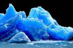 Untitled  http://101lugaresincreibles.com/2015/01/35-fotos-que-confirman-que-la-patagonia-austral-se-parece-los-paisajes-de-la-era-del-hielo.html