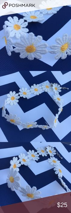 """⚜️Daisy Choker⚜️Adjustable Custom Made Daisy ChokerAdjustable 15""""-17"""" with 2 inch silver tone chainHow FunMessage me for a custom sizeComes wrapped for the perfect giftperfect for the flower child hidden inside us all Build UR Bling Accessories Jewelry"""