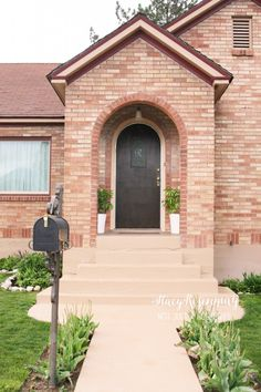 Bring curb appeal back to your house -tips for easily painting cement / concrete foundations.