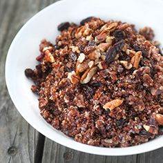 quinoa with pecans and raisins -- easy! and sweet quinoa
