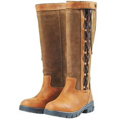 Equestrian rain boots are always in season. Find a perfect pair of muck boots or wellies for cleaning stalls, walking in paddocks, or everyday wear. Equestrian Boots, Equestrian Outfits, Equestrian Style, Western Boots, Cowboy Boots, Horse Riding Clothes, Riding Gear, Riding Boots, Horse Fashion