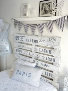 31 Cool Bedroom Ideas to Light Up Your World Dream Bedroom, Girls Bedroom, My Room, Girl Room, Diy Headboards, Vintage Room, Awesome Bedrooms, Diy Bedroom Decor, Home Decor