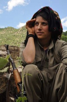 Kurdistán Phersmerga Women