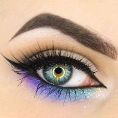 Love this rainbow under eye colours for an extra pop, paired with a perfect wing.