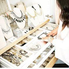 Mon job de rêve  Vous aussi devenez styliste Stella & Dot Vous souhaitez vous lancer dans laventure Stella and Dot et devenir Stylist ? PROFITEZ DE NOTRE INCROYABLE OFFRE DE JUIN ET OBTENEZ 100E DE CREDITS BIJOUX SUPPLEMENTAIRES POUR DEMARRER VOTRE ACTIVITE ! infos en ligne sur http://ift.tt/1IcfR5w   #stelladotfrance #stelladot #stelladotfr #stellaanddot #bijoux #mode #accessoire#vdi#travailleradomicile #complementdesalaire #complementrevenu #etresonproprepatron…