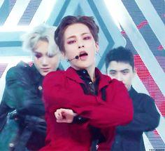 Fans Highlight EXO Xiumin's Heart-Throbbing Visuals on Music Core – Koreaboo