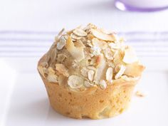 The best Apple crumble muffins recipe you will ever find. Welcome to RecipesPlus, your premier destination for delicious and dreamy food inspiration. Apple Crumble Muffins, Apple Crumble Recipe, Rhubarb Crumble, Savory Muffins, Lentil Recipes, Apple Recipes, Cake Recipes, Lamb Kebabs, Tiramisu Recipe