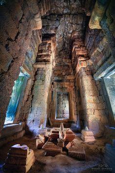 Visit The Exotic Banteay Srei, Cambodia