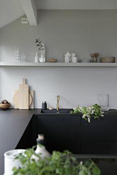 moderne küchen schwarz matt für die küchenmöbel und weiße wände