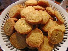 Schottische Butterplätzchen, ein sehr leckeres Rezept aus der Kategorie Kekse & Plätzchen. Bewertungen: 49. Durchschnitt: Ø 4,3.