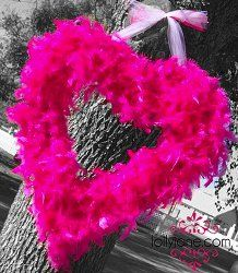 Neon pink feather boa #wreath for #ValentinesDay?  What could be better?  How about a free #tutorial?!