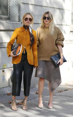 Camille Charriere and Pernille Teisbaek at Paris Fashion Week Beige Outfit, Fall Winter Outfits, Autumn Winter Fashion, Johannes Huebl, Look Street Style, Winter Mode, Winter Trends, Fashion 2020, Paris Fashion
