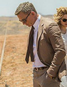 Costume beige de Daniel Craig dans Spectre