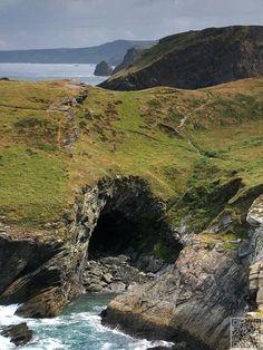 grotte de Merlin, #Tintagel dans les Cornouailles - Angleterre