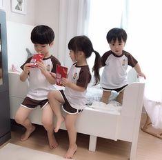 Cute Asian Babies, Korean Babies, Asian Kids, Cute Little Baby, Little Babies, Kids Girls, Baby Kids, Couple With Baby, Cute Babies Photography