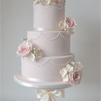 Inspiration Gallery for Wedding Cakes | hitched.co.uk