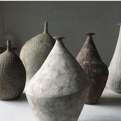 Newest Pic Pottery Designs wabi sabi Thoughts Beautiful, relaxing shapes and colours in 's ceramics. On display Suzie Donahue. Wabi Sabi, Japanese Ceramics, Japanese Pottery, Ceramic Pottery, Ceramic Art, Keramik Design, Sculptures Céramiques, Keramik Vase, Pottery Sculpture