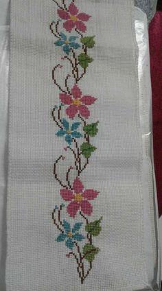 The most beautiful cross-stitch pattern - Knitting, Crochet Love Cross Stitch Beginner, Cross Stitch Borders, Cross Stitch Rose, Cross Stitch Flowers, Modern Cross Stitch, Cross Stitch Designs, Cross Stitching, Cross Stitch Embroidery, Embroidery Patterns