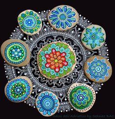Hand Painted Stone Mandala Flower by ISassiDellAdriatico on Etsy