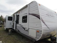 Very well cared for Jay Flight travel trailer! Has New queen size sleep number bed!