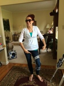 Spoonie problems = matching your outfit to your knee brace. {New on the blog} Donjoy Nano Knee Brace - Fitted for a new knee brace to help 'bowing' of my left leg due to avascular necrosis (AVN) in my femur. itsjustabadday.com